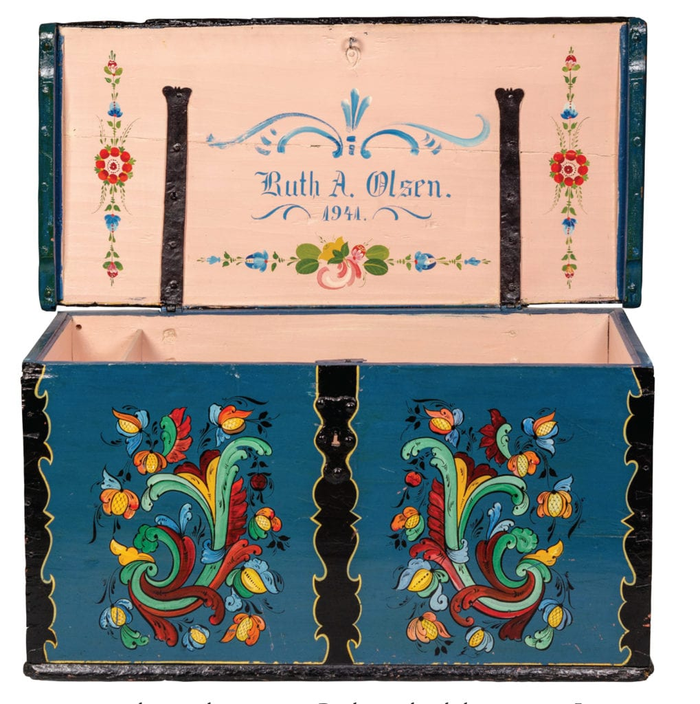 Wooden trunk painted by Per Lysne and carried from Norway to American by Herborg Tvedt. From Vesterheim collection, inside view.