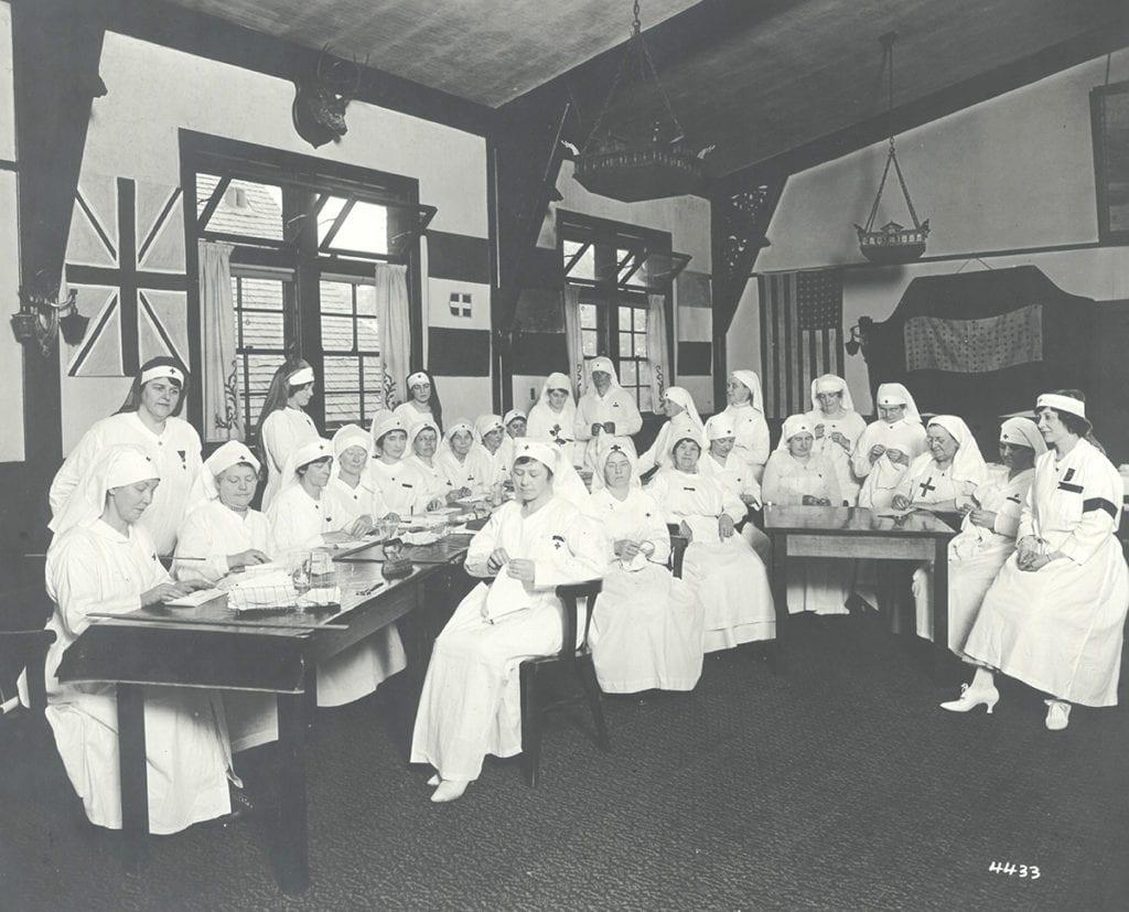 Women volunteering for the war effort, World War I - Chicago Norske Klub Collection, Vesterheim Archives