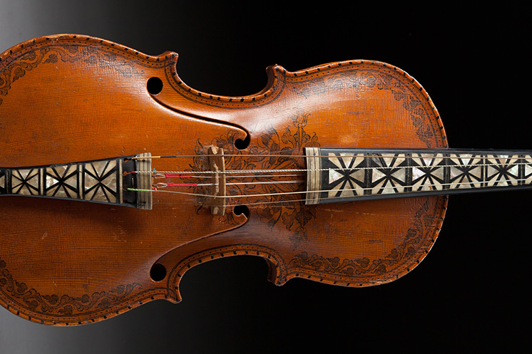 Violine with carving from Vesterheim collection