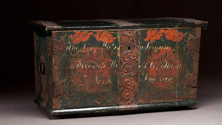 Trunk with rosemaling from Vesterheim collection